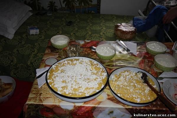Качамак със сирене: